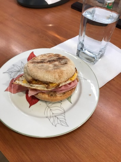 A breakfast sandwich 3sp