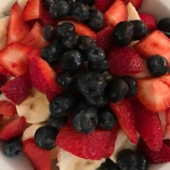 This is one of my favorite breakfasts plain greek yogurt with berries and banana 0sp